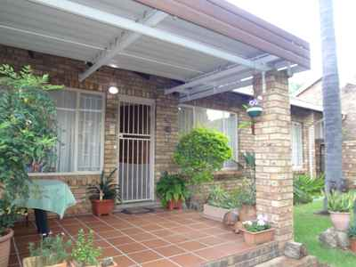 2 Bedroom Town House For Sale In Pretoria East - gallery_image1.jpg