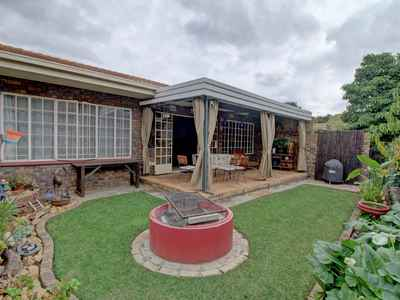3 Bedroom Town House For Sale In Pretoria East - gallery_image1.jpg