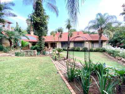 5 Bedroom House For Sale In Pretoria East - gallery_image1.jpg