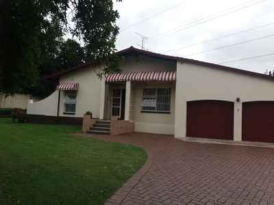 4 Bedroom House For Sale In Edenvale - gallery_image1.jpg