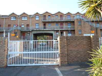 2 Bedroom Apartment For Sale In Brackenfell - gallery_image1.jpg