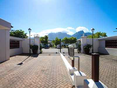 3 Bedroom Town House To Rent In Cape Town - ar9G.jpg