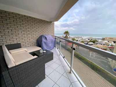1 Bedroom Apartment For Sale In Bloubergstrand - gallery_image1.jpg