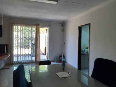 Apartment To Rent In Edenvale - gallery_image7.jpg
