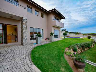 4 Bedroom Apartment For Sale In Sheffield Beach - gallery_image1.jpg