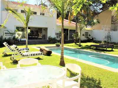6 Bedroom House For Sale In Umhlanga Rocks - gallery_image1.jpg