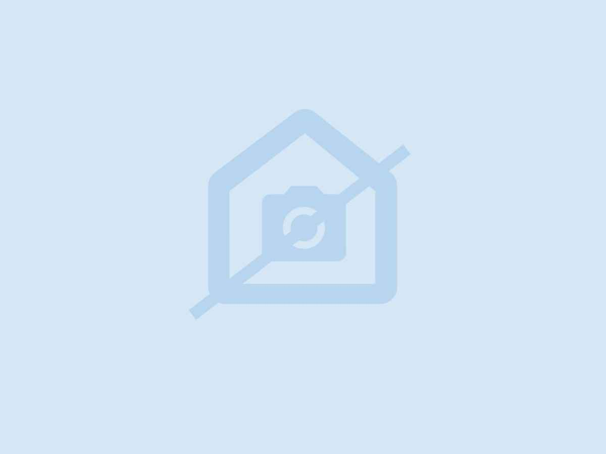 4 Bedroom House For Sale In Eastleigh - gallery_image1.jpg