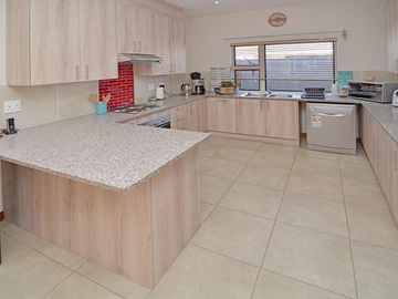 3 Bedroom Apartment For Sale In Benoni, 189 Eastland Mature