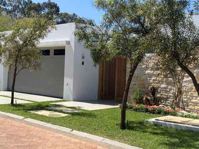 4 Bedroom House For Sale In Fernkloof Estate - gallery_image1.jpg