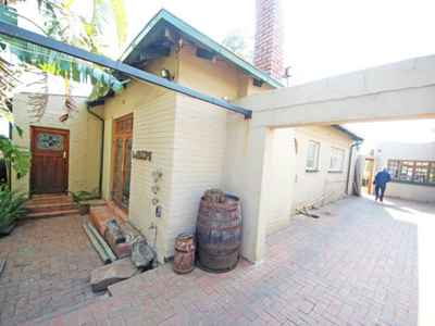 4 Bedroom House For Sale In Johannesburg - gallery_image1.jpg
