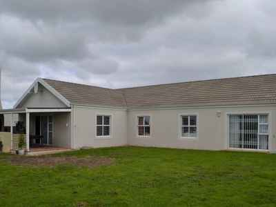 3 Bedroom Town House To Rent In Durbanville - gallery_image1.jpg