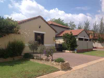 2 Bedroom Town House For Sale In Bloubosrand - gallery_image1.jpeg