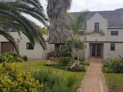 4 Bedroom House For Sale In Klein Nederburg - gallery_image1.jpeg