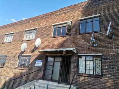 6 Bedroom Apartment For Sale In Germiston South - gallery_image1.jpg