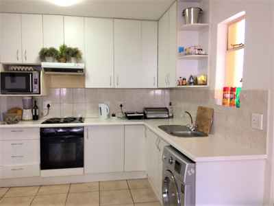 3 Bedroom Apartment For Sale In NORTHCLIFF - gallery_image1.jpg