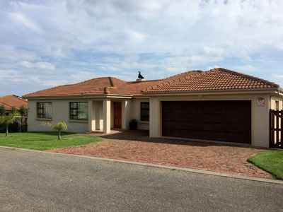 3 Bedroom House For Sale In Groot Brakrivier - gallery_image1.jpg