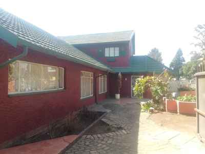 4 Bedroom House For Sale In Brakpan Central - gallery_image1.jpg