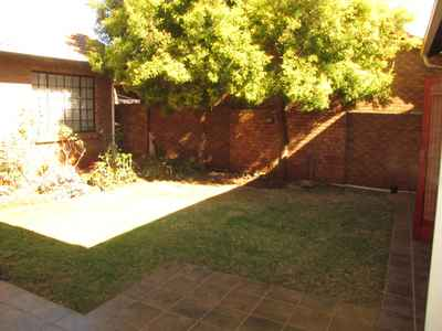 4 Bedroom Town House For Sale In Centurion - gallery_image1.jpg