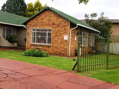 3 Bedroom House For Sale In Alberton - gallery_image1.jpg