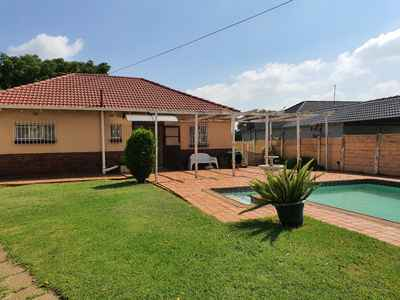 3 Bedroom House For Sale In Hurlyvale - gallery_image1.jpg