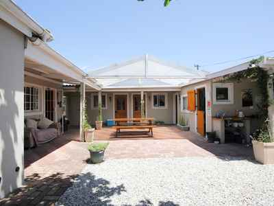 7 Bedroom House For Sale In Knysna Central - gallery_image1.jpg