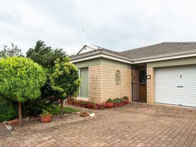 3 Bedroom Town House For Sale In George - gallery_image1.jpg