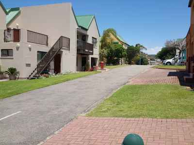 3 Bedroom Town House For Sale In Mossel Bay - gallery_image1.jpg