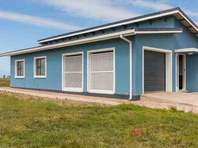 3 Bedroom Town House For Sale In Pacaltsdorp - gallery_image1.jpg