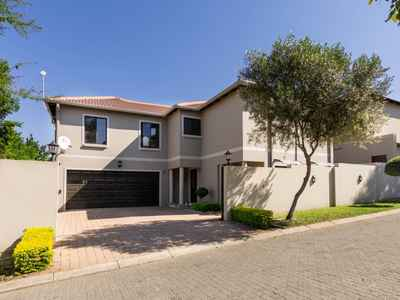 4 Bedroom House For Sale In Sandton - gallery_image1.jpg