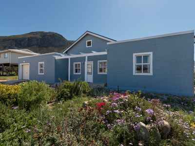 3 Bedroom House For Sale In Betty's Bay - gallery_image1.jpg