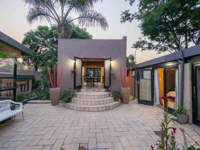 Properties for sale in gauteng randburg qwengo for Michelles bedroom galleries