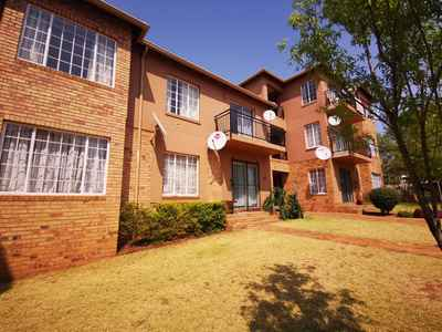 3 Bedroom Apartment To Rent In Krugersdorp - gallery_image1.jpg
