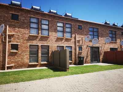 2 Bedroom Apartment To Rent In Roodepoort - Ey8p.jpg