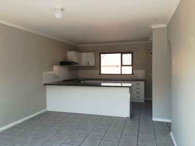 3 Bedroom Town House To Rent In Humewood - gallery_image1.jpg