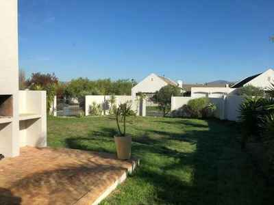 3 Bedroom House To Rent In Durbanville - gallery_image1.jpg