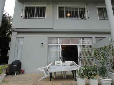 3 Bedroom Town House To Rent In Umhlanga Rocks - gallery_image1.jpg