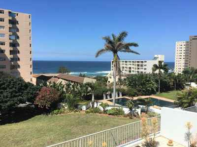3 Bedroom Apartment To Rent In Umhlanga Rocks - gallery_image1.jpg