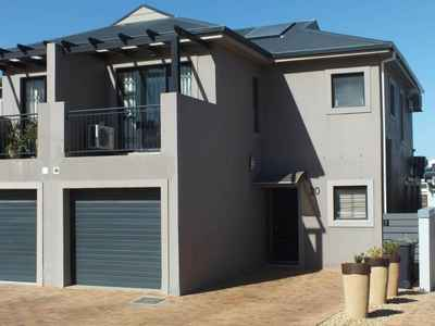 2 Bedroom Town House For Sale In Langeberg Ridge - gallery_image1.jpg