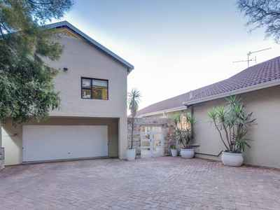 3 Bedroom House For Sale In Douglasdale - gallery_image1.jpg