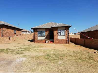 3 Bedroom Town House For Sale In Duvha Park - gallery_image1.jpg
