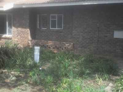 4 Bedroom House To Rent In Klerksdorp - gallery_image1.jpg