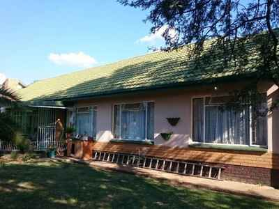 3 Bedroom House To Rent In Klerksdorp - gallery_image1.jpg