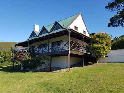 3 Bedroom House To Rent In Knysna - gallery_image1.jpg