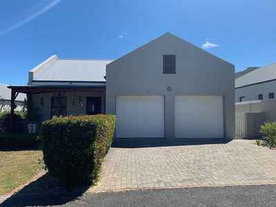 3 Bedroom House For Sale In HERMANUS - gallery_image1.jpg