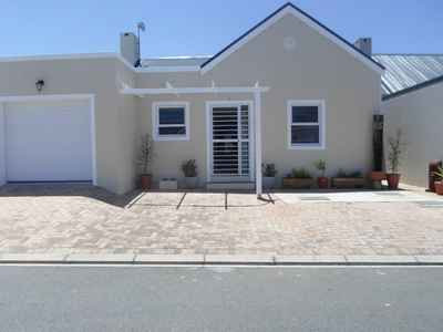 3 Bedroom House For Sale In Sandbaai - gallery_image1.jpg