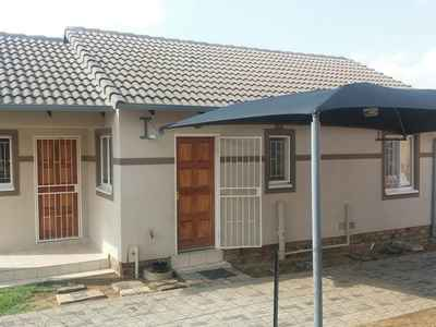 3 Bedroom House For Sale In Bloubosrand - gallery_image1.jpg