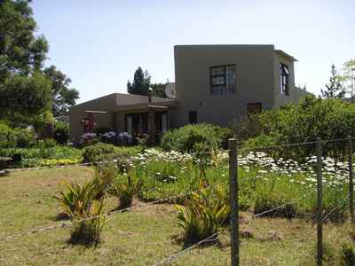 4 Bedroom House For Sale In Groot Brakrivier - gallery_image1.jpg