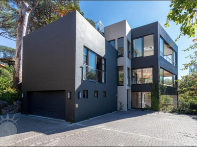 5 Bedroom House To Rent In CAPE TOWN - gallery_image1.png