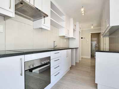 2 Bedroom Apartment To Rent In Kenilworth Upper - gallery_image1.jpg