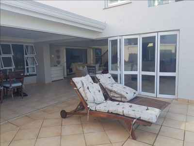 4 Bedroom Town House For Sale In Umhlanga - gallery_image1.jpg
